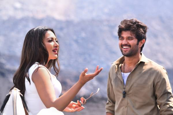 World Famous Lover': A Diaster for Vijay Deverakonda - Cine Chit Chat