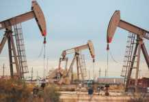 Oil prices fall below $0 for the first time