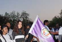 Raashi Khanna flagging off the run for women empowerment